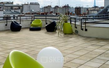 Notre terrasse sur le toit est l'endroit idéal pour prendre une pause à la rue du Quatre-Septembre
