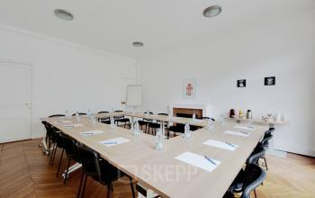 Meeting room to organize any corporate event at Rue du 4 Septembre