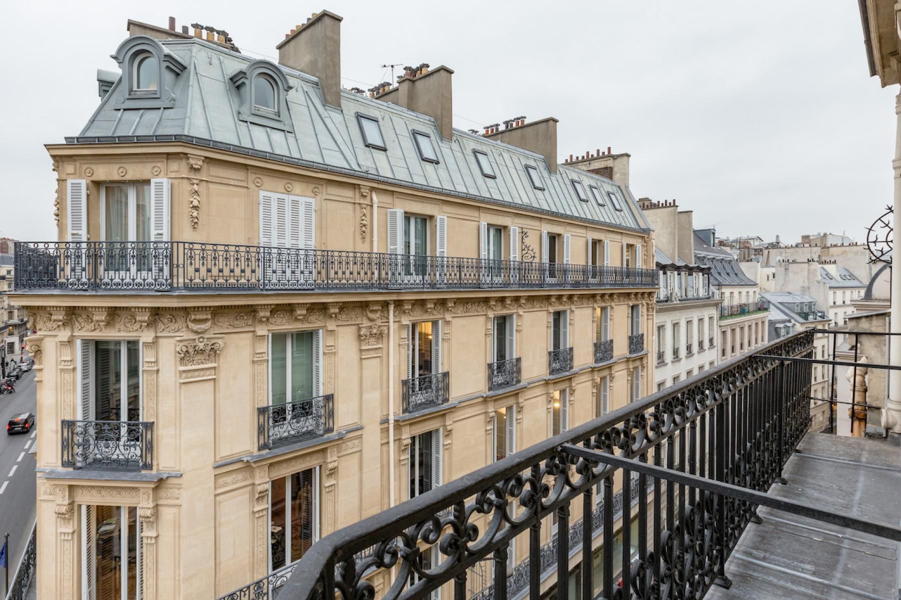 Our offices in this Haussmannian building at Rue du 4 Septembre brings elegance and style