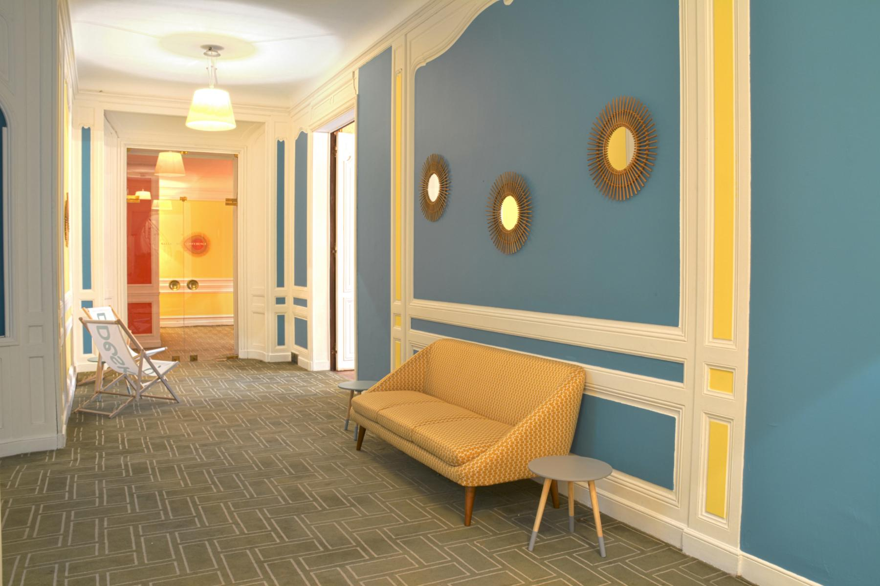 Corridor with access to our private offices at Rue du 4 Septembre