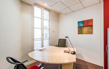 Bureau privé lumineux à la rue de Rennes