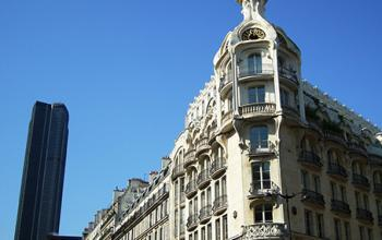 Bureaux à louer dans un immeuble de style Art Nouveau dans la Rue de Rennes