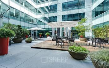 Espace extérieur commun où vous pouvez vous détendre pendant votre pause