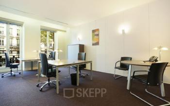 Espace de bureau avec mobilier de haute qualité au Boulevard Malesherbes