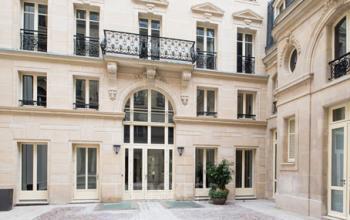 Entrée centre d'affaires à la rue du Faubourg-Saint-Honoré
