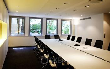 Salle de réunion de grand format pour organiser vos conférences dans la rue Quentin-Bauchart