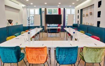 Cette salle vous permettra d'organiser tous vos événements corporates en toute simplicité dans la rue Saint Honoré