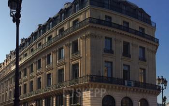 Immeuble construit dans le style de Napoléon III à la Rue Meyerbeer