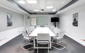Salle de réunion entièrement équipée à la rue de Londres