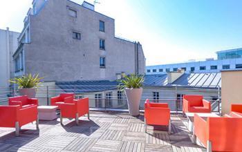 Toit-terrasse pour un moment de détente lors d'une pause méritée à la rue de Londres