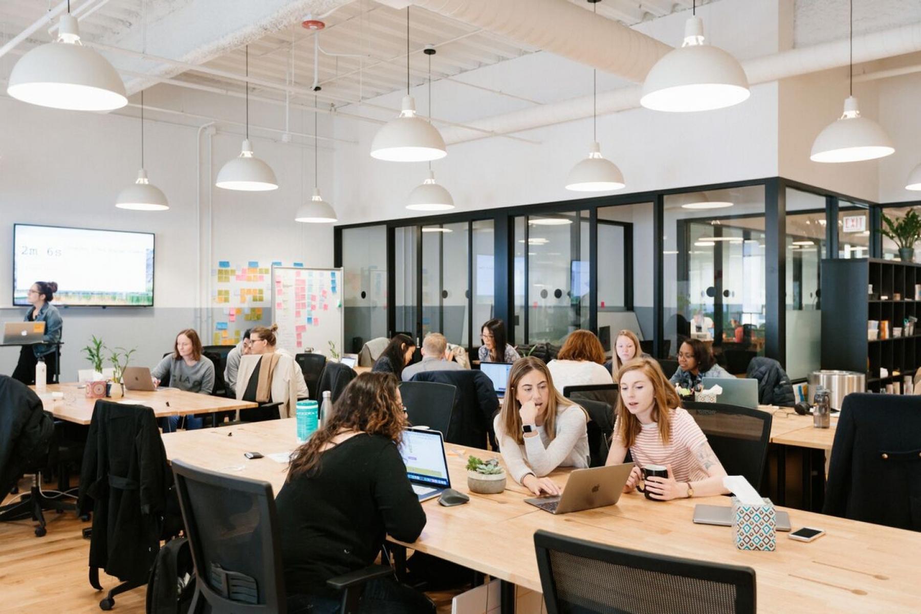 Cet espace commun convient parfaitement pour le partage d'idées au sein de votre équipe
