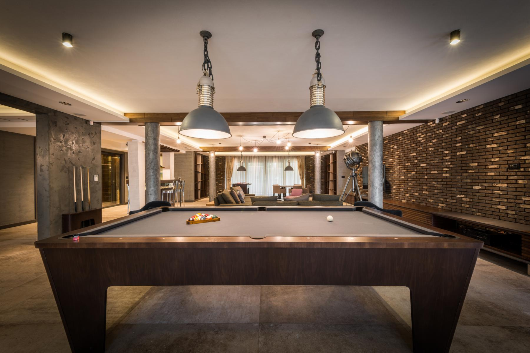 Have a pool competition with your colleagues during your breaks