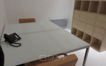 Espace de bureau équipé de fauteuils confortables à la rue de Nice