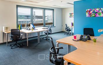 Ce bureau serait l'endroit idéal pour réaliser vos objectifs avec votre équipe dans la rue de Cambrai