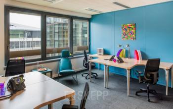 Espace de bureau coloré dans la Rue de Cambrai