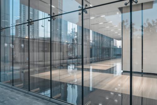 Les couloirs lumineux vous permettent d'accéder les locaux