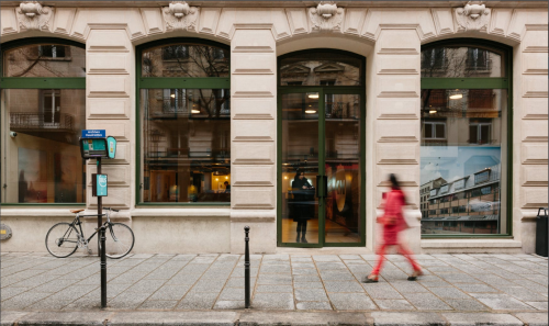 Outside area offices for rent in Rue des Archives
