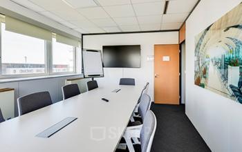 Cette salle de réunion répond à tous vos besoins pour organiser vos événements d'entreprise dans la rue de la Haye
