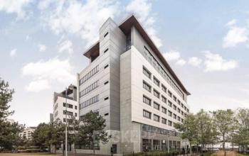Façade immeuble de bureau à l'allée de l'Europe