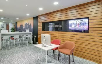 Salon d'affaires dans lequel vous pouvez travailler en utilisant notre iMac à l'allée de l'Arche