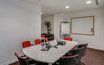 Salle de réunion dans lequel vous pouvez organiser vos formations à l'allée de l'Arche