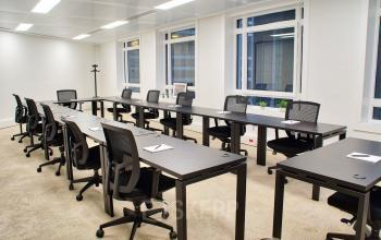 Room for all your meetings, seminars or training sessions at cours Valmy