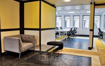 Nos espaces communs sont équipés du mobilier design et fonctionnel dans la rue de Chartres
