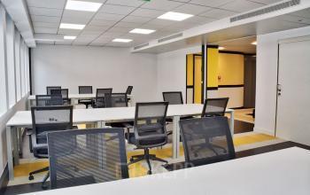 Nos bureaux en open space vous donne envie de partager vos idées au sein de vos équipes dans la rue de Chartres