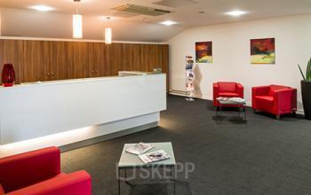 Notre centre comprend une aire de réception accueillante et une salle d'attente confortable au stade de France