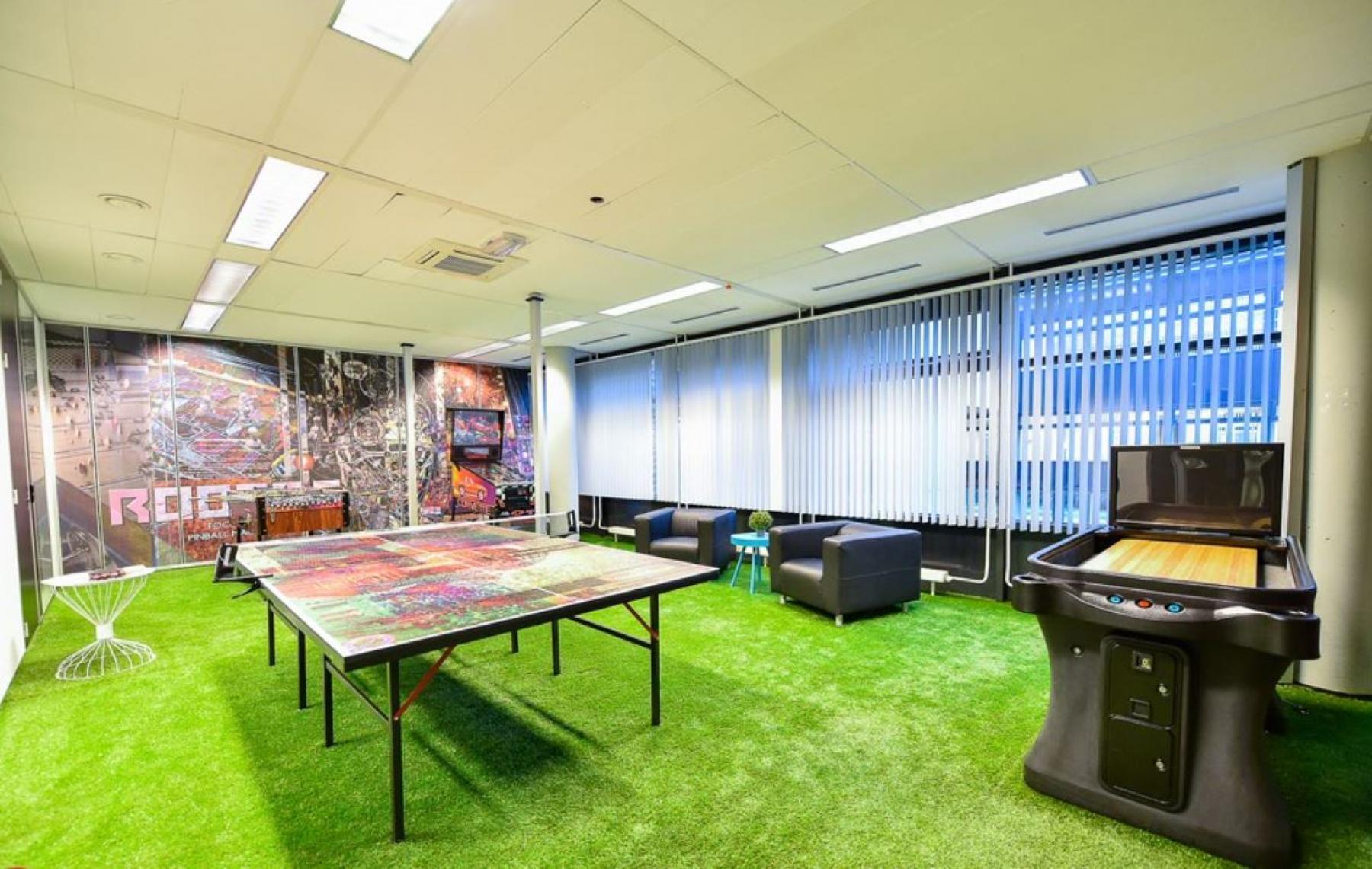 gameroom kantoorgebouw westhoven roermond