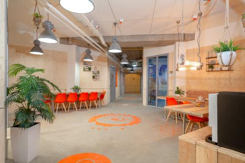 Rent office space Innsbruckweg 110-140, Rotterdam (6)
