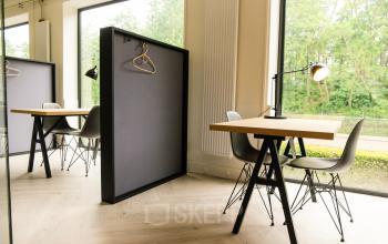 flexibele werkplek tafel stoel raam uitzicht huur kantoorruimte rotterdam alexander SKEPP