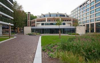 buitenaanzicht kantoorgebouw Rotterdam Kruisplein te huur