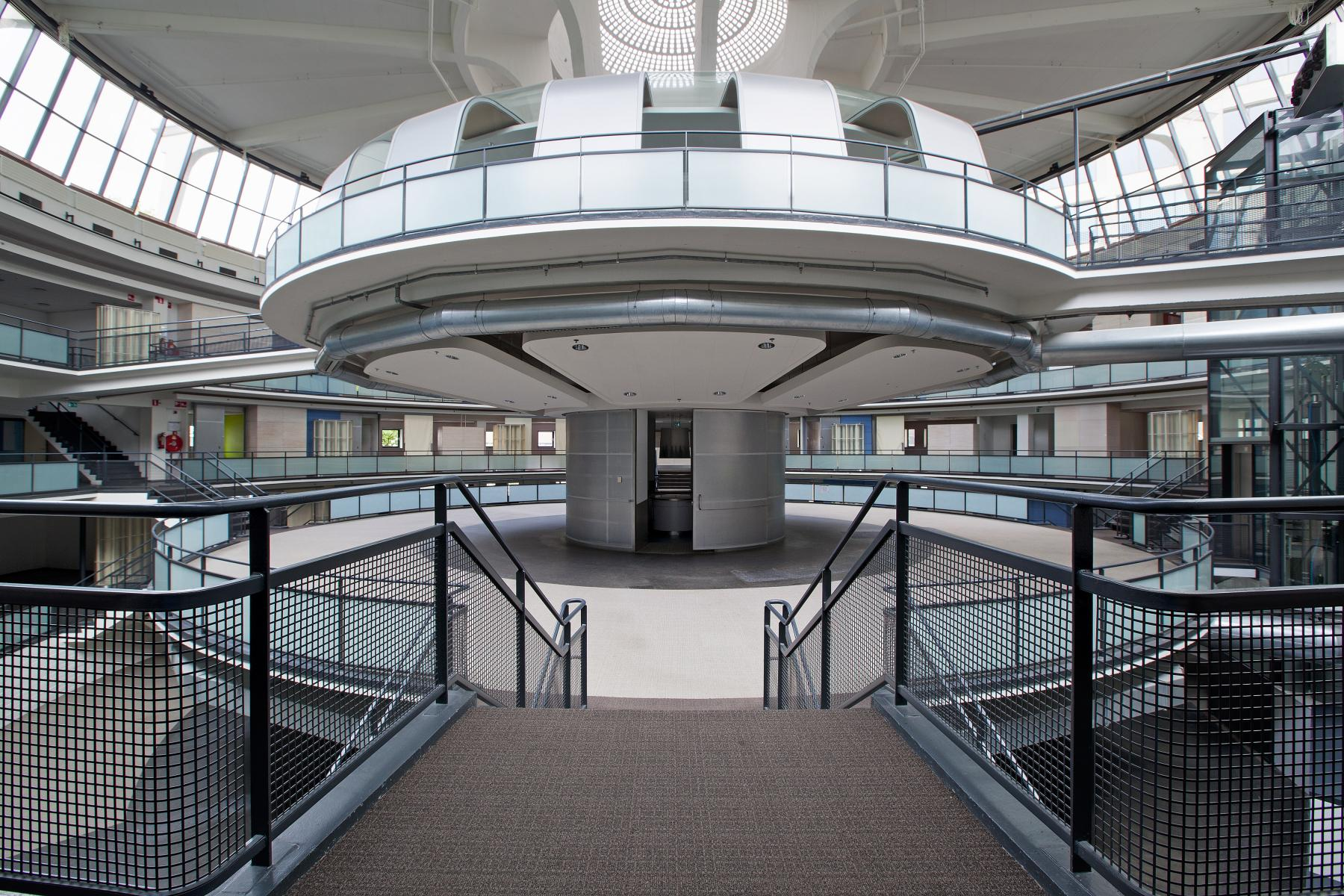 Kruisplein Rotterdam goedkope kantoorruimte
