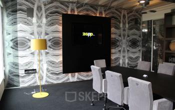 vergaderzaal vergaderruimte stoelen tafel televisie presentatiemogelijkheden kantoorgebouw rotterdam brainpark