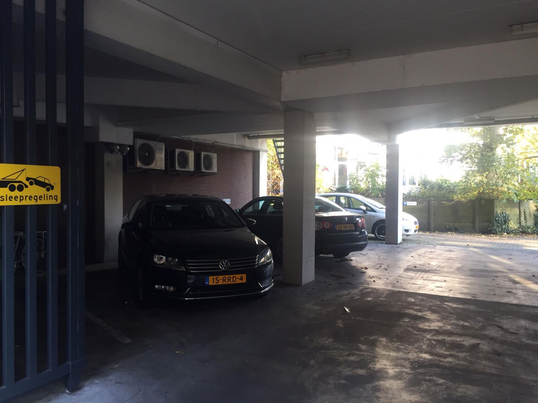 parkeerruimte overdekt voor eigen gebruik