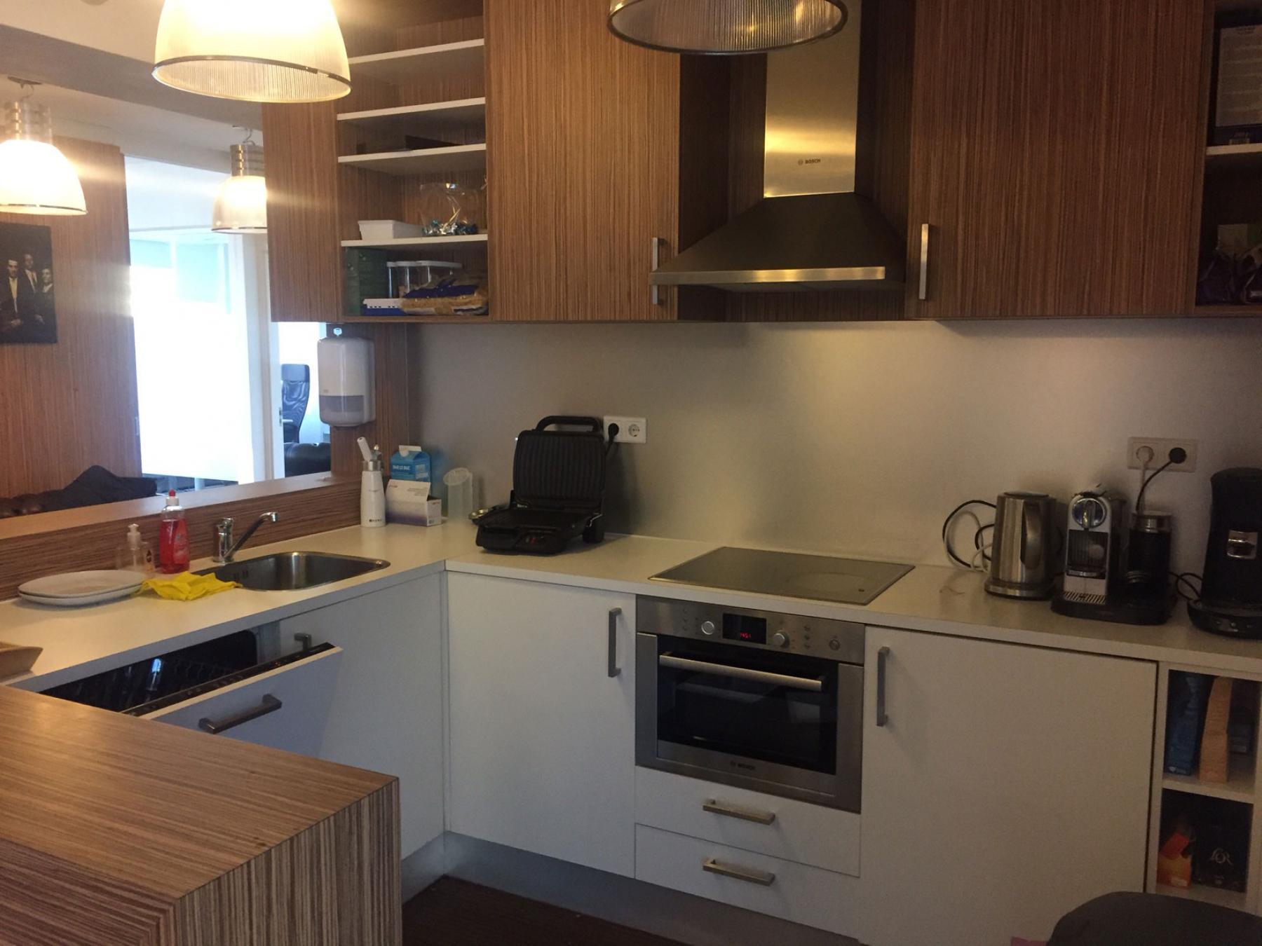 keuken met apparatuur Rotterdam Walenburgerweg