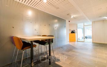 Light office spaces at the Zomerhofstraat in Rotterdam