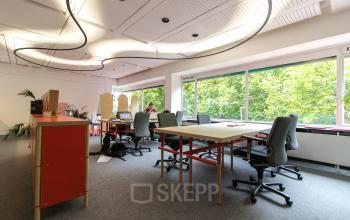 Office spaces for rent at the Zomerhofstraat in Rotterdam