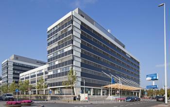 kantoorgebouw kantoorpand buitengevel Amsterdam Schphol