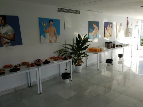 Alquilar oficinas Calle Leonardo da Vinci 20, Sevilla (4)