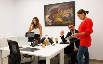 Alquilar oficinas Avenida de Diego Martínez Barrio 10, Sevilla (1)