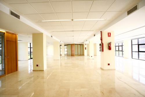 Alquilar oficinas Avenida San Francisco 15, Sevilla (1)