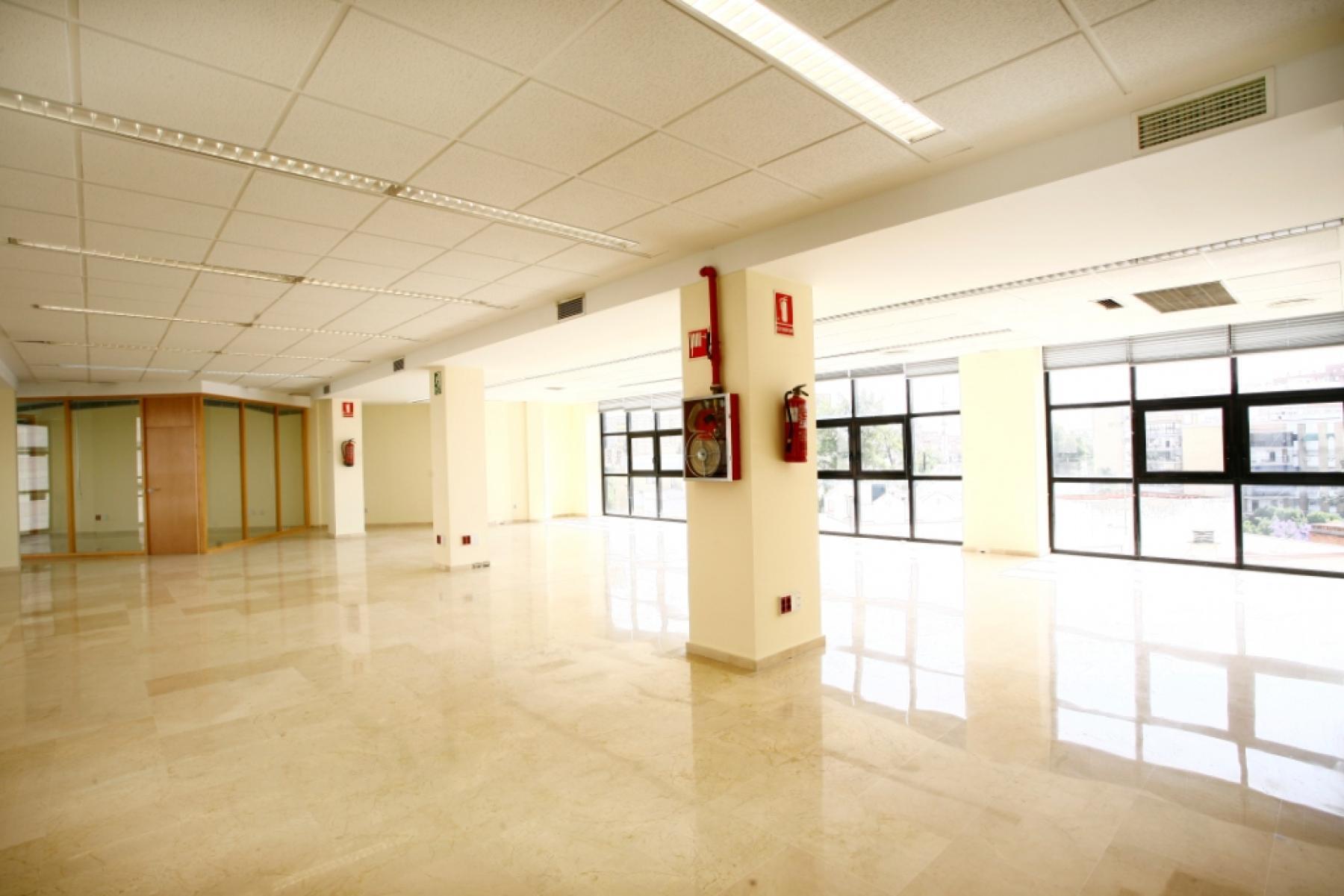 Alquilar oficinas Avenida San Francisco 15, Sevilla (3)