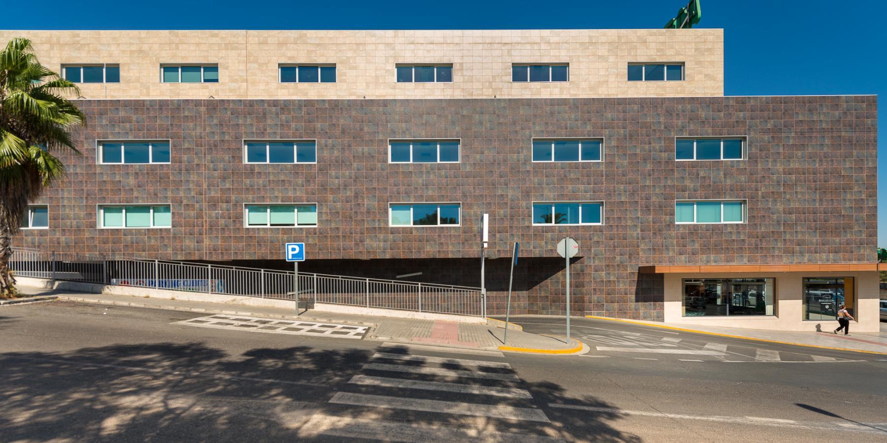 Alquilar oficinas Avenida de la Arboleda 4, Tomares (1)