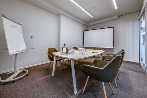 Top eingerichteter Konferenzraum Stuttgart Mitte