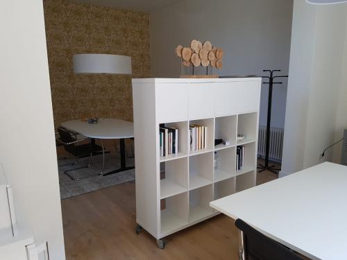 Rent office space St. Walburg 9, Tiel (2)