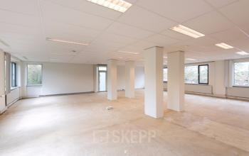 empty floor in office building tilburg