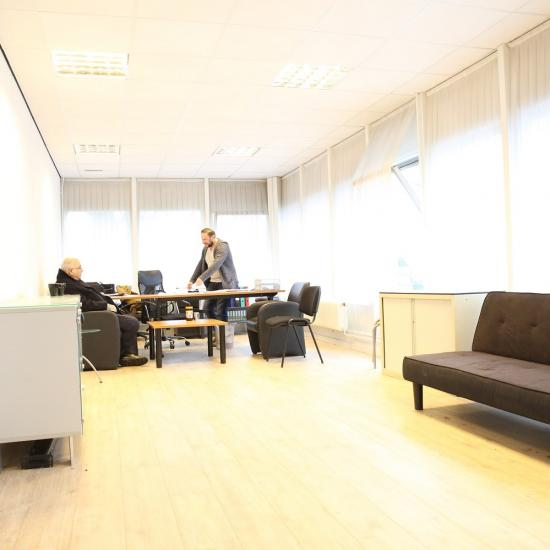 office room available tilburg light windows