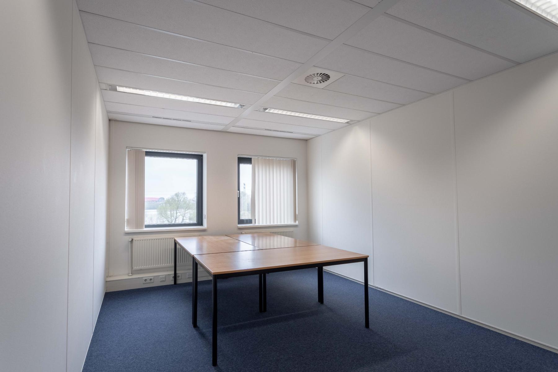 Rent office space Atoomweg 63, Utrecht (34)